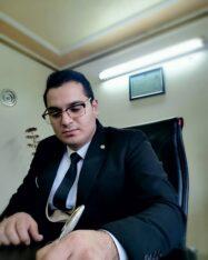 وکیل دادگستری و مشاور حقوقی